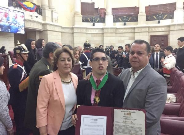 "Medalla ""Pedro Pascasio Martínez de Ética Republicana"" al Médico Santiaguino Juan Manuel Collazos Rozo"