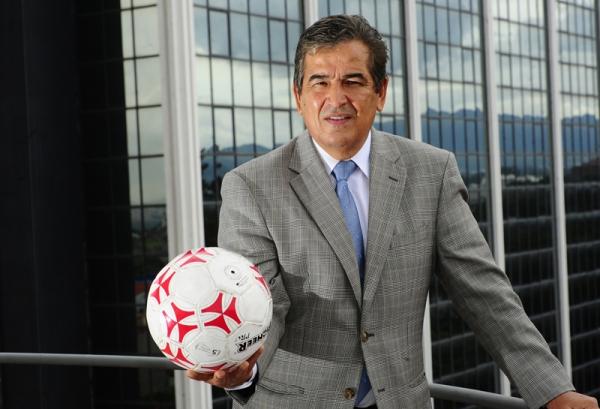 USC rendirá homenaje al técnico Jorge Luís Pinto