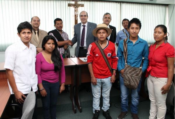 La Santiago promueve la inclusión  de las comunidades indígenas