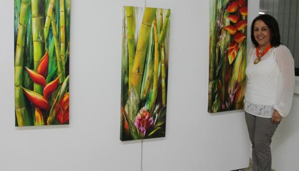 Se inauguró en la Santiago la exposición Amor puro en la naturaleza