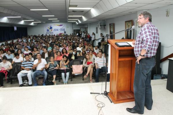 USC promueve espacios para dimensionar los diálogos de paz en Colombia