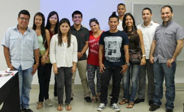 Debate de Educación General y Bilingüe en la USC