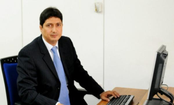 Abogado santiaguino se posesiona como Gobernador (e) del Valle del Cauca