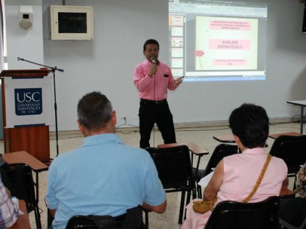 Más santiaguinos se siguen actualizando con el Paes