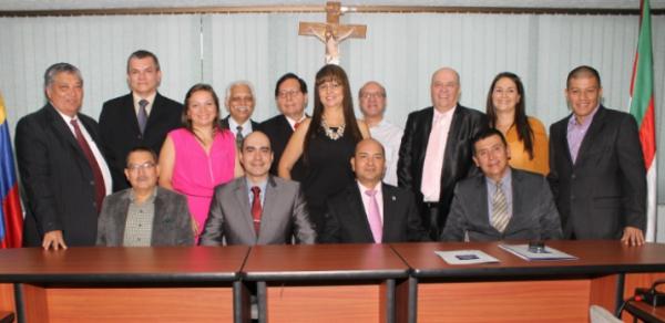 USC e ICAEW certifican a contadores en NIIF